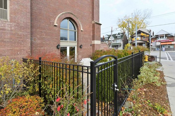 The Glebe Lofts – 660 Pape Avenue