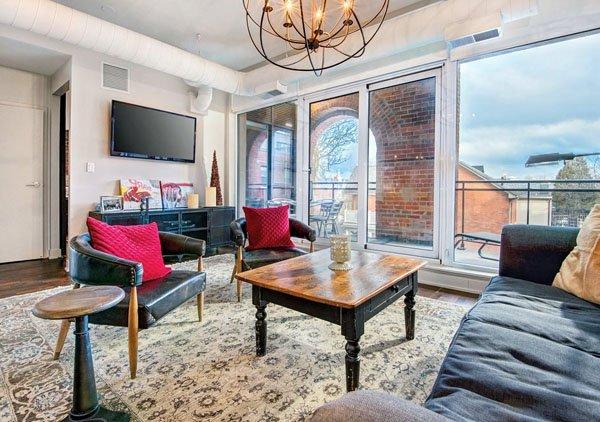 Victoria Lofts – 152 Annette Street