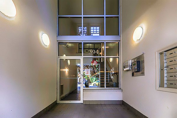 Movie House Lofts – 394 Euclid Avenue